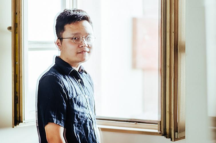 Gan Bi, director