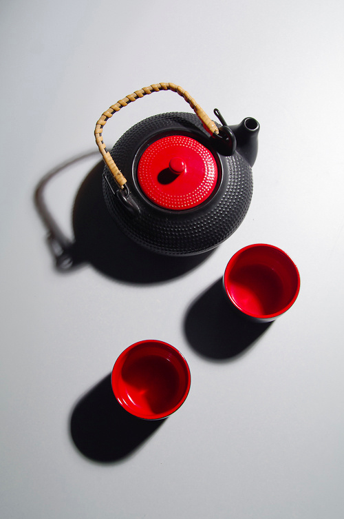 Teapot and Red Mugs