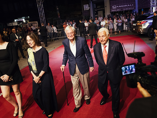 Julie Corman and Roger Corman with Fulvio Lucisano, producers